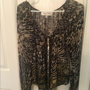 Beautiful top by Fifteen Twenty. Gently Used